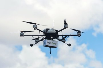 Uber-plans-to-deliver-fast-food-by-drone-starting-this-summer